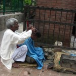 Hair-dresser on the street